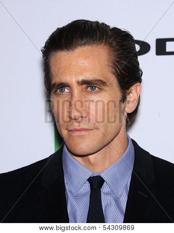 LOS ANGELES - OCT 21:  Jake Gyllenhaal arrives to Hollywood Film Awards Gala 2013  on October 21, 2013 in Beverly Hills, CA