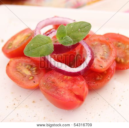salad of tomatoes