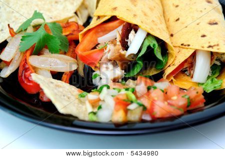 Grilled Chicken And Veggie Wraps