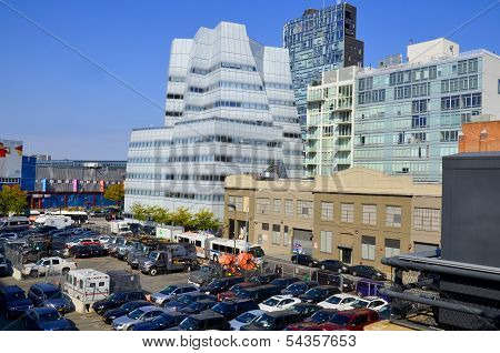 Architect Frank Gehry's white glass IAC Building
