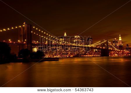 Brooklyn Bridge and Manhattan at night