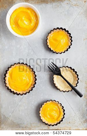 Delicious Lemon Curd Tartlets