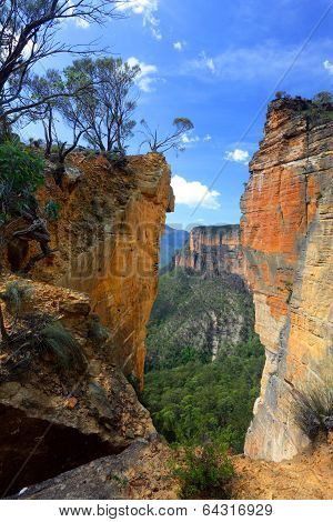 Burramoko Head And Hanging Rock In Nsw Blue Mountains Australia