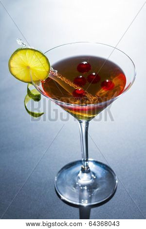 Molecular mixology - Cocktail with juice sphere
