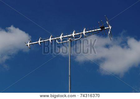 Uhf Television Antenna