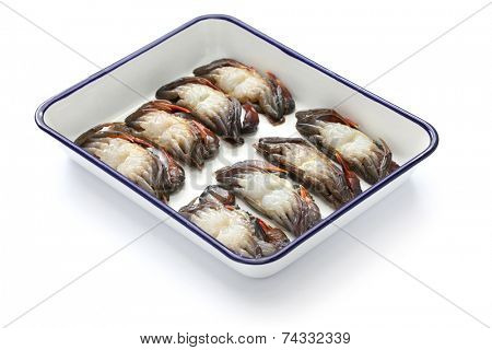 cleaning and preparing soft shell crab