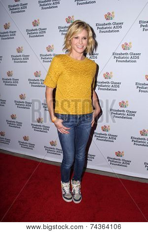 LOS ANGELES - OCT 19:  Julie Bowen at the 25th Annual