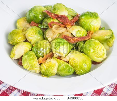 Cooked Brussel Sprouts with Sundried Tomatoes and Shallot