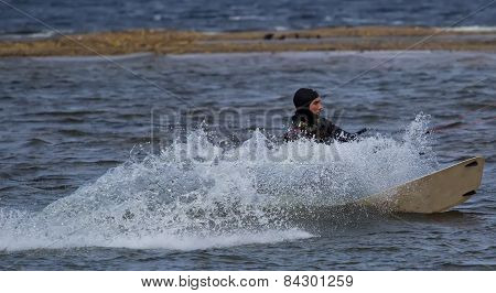 Kitesurfing in cold water