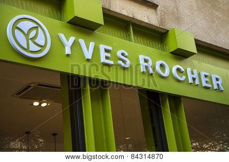 Yves Rocher Store