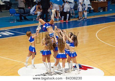 Cheerleaders Pyramid
