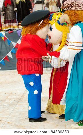 Dolls Embrace