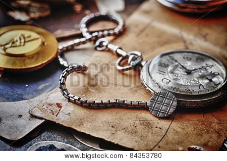 Clock With  Chain