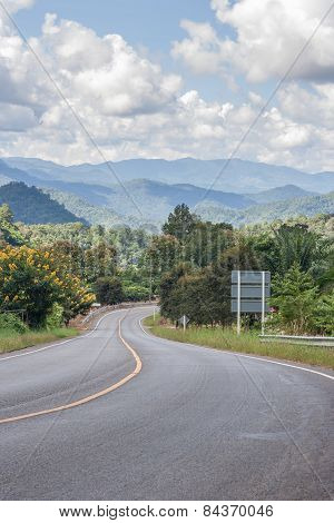 Country Road To Sameoung, Chiangmai, Thailand.