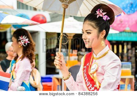 Chiang Mai, Thailand-january 17 : 32Th Anniversary Bosang Umbrella Festival,women In Traditional Cos