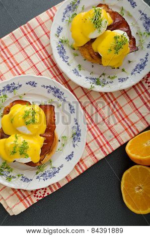 Eggs Benedict, Prosciutto With Hollandaise