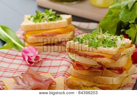 Reuben Sandwich With Cabbage, Beef And Spicy Dressing