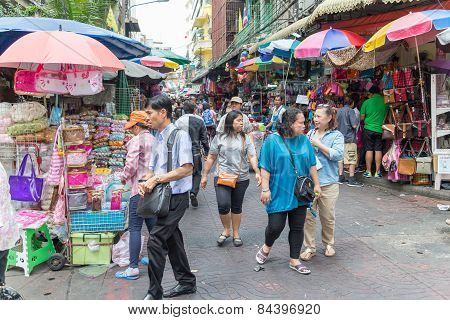 Shoppers, Chinatown
