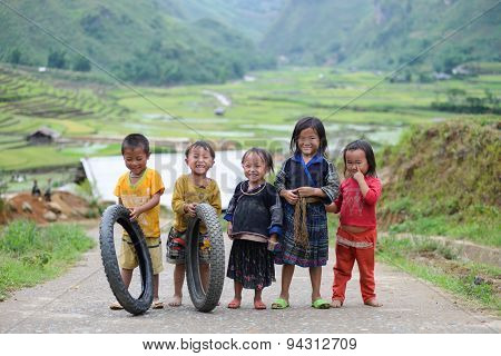 H'mong ethnic minority children in Mucangchai, Vietnam.