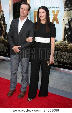 LOS ANGELES - JUN 23:  Peter Krause, Lauren Graham at the