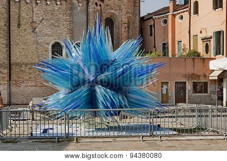 Glass sculpture Comet by Simone Cenedese