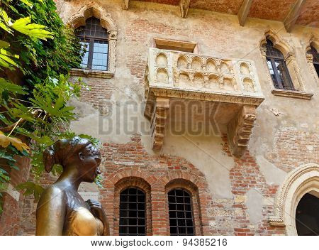 The Courtyard Of Juliet. Verona.
