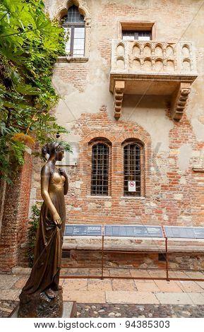 The Courtyard Of Juliet. Verona.
