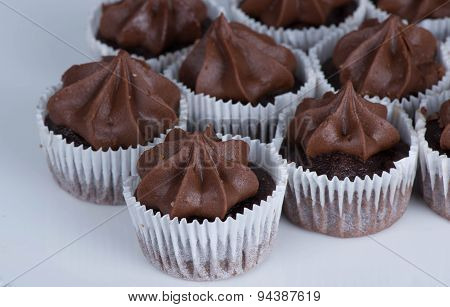 Small Chocolate Cupcakes with Chocolate Frosting