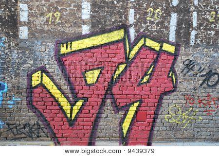 Grungy 94 graffiti