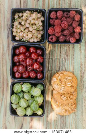 Peanut Cookies With Berry Assortment