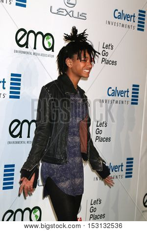 LOS ANGELES - OCT 22:  Willow Smith at the 26th Annual Environmental Media Awards at Warner Brothers Studio on October 22, 2016 in Burbank, CA
