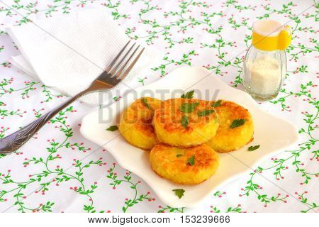 Fried rice cutlets on a plate. Easy vegetarian recipe
