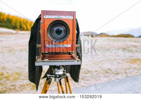 SILVAPLANA SWITZERLAND - OCTOBER 22 2016: Deardorff Medium format vintage film plate camera ready to photograph