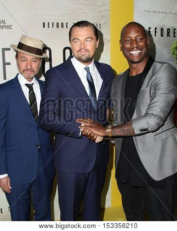 LOS ANGELES - OCT 24:  Fisher Stevens, Leo Dicaprio, Tyrese Gibson at the Screening Of National Geographic Channel's