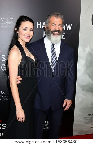 LOS ANGELES - OCT 24:  Rosaline Ross, Mel Gibson at the
