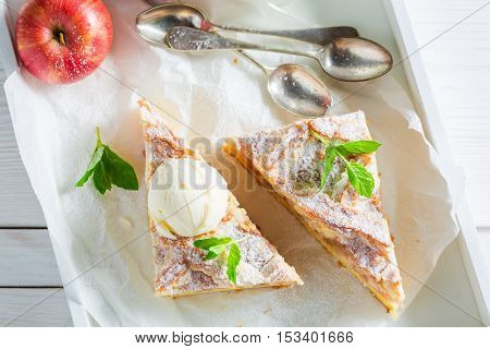Sweet Wanilla Ice Cream And Apple Pie With Mint Leaves