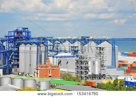 Port Grain Dryer And Container