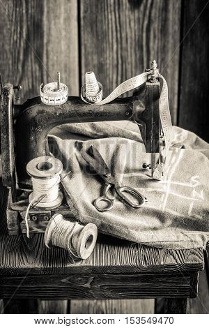 Vintage Sewing Machine With Threads, Scissors And Cloth