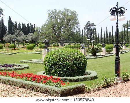 Akko Israel - May 11 2004: The center part of Bahai garden.