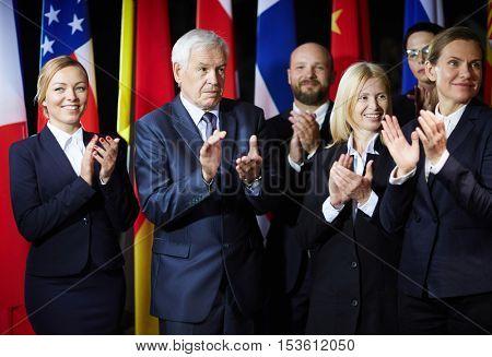 Applauding to spokesperson