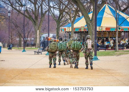Washington Dc, Usa - January 31, 2006: American Soldiers Walking In The National Mall