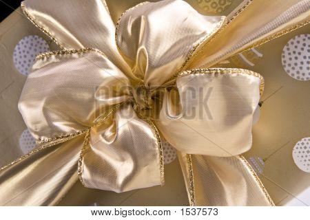 Golden Bow 7275