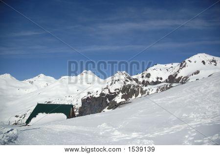 High-Mountain Hotel