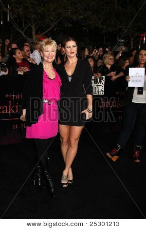 LOS ANGELES - NOV 14:  Dee Wallace, Gabrielle Stone arrives at the