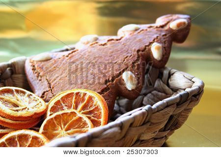 gingerbread in basket