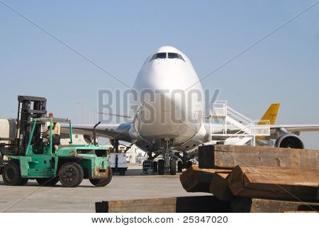 Large cargo airplane