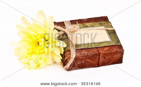Himaayan Soap With Yellow Flower