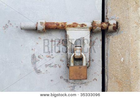 Door Latch With Padlock