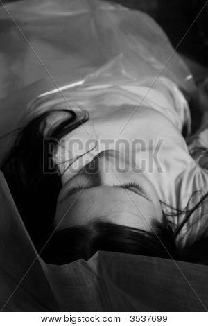Dead Beautiful Girl