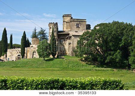 France's Château de Lourmarin
